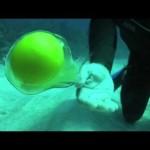Quebrando um ovo a 20m de profundidade